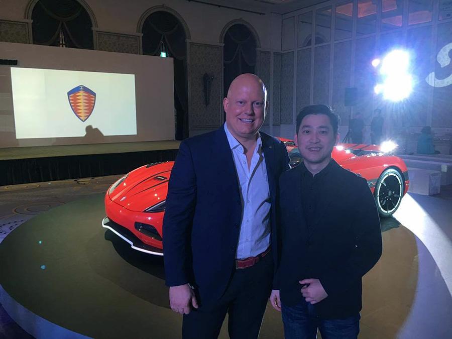 Koenigsegg Automotive與創辦人兼CEO-Christian von Koenigsegg與 Digimobee編輯日記主持人 Andy Ao一見如故,相見恨晚,相談甚歡。(以上言論不代表本站立場)