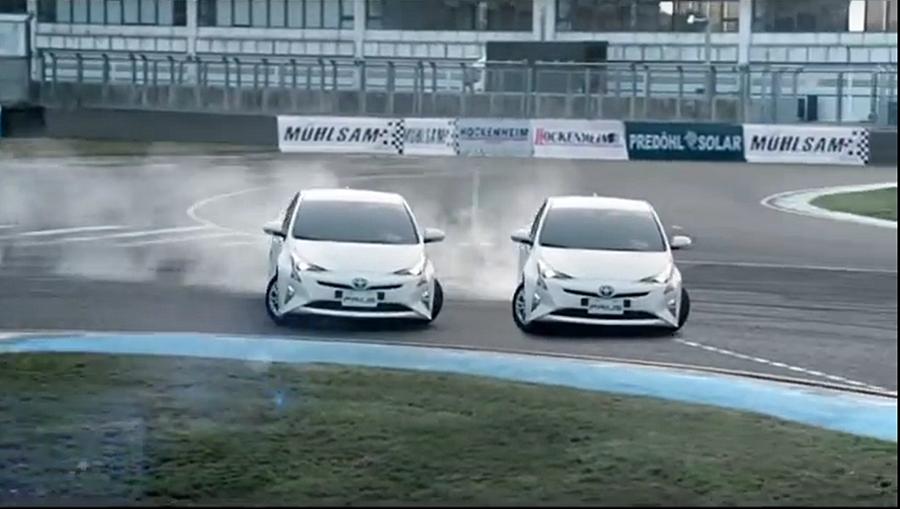 4代Prius廣告片,該車款已運用TNGA的底盤架構。