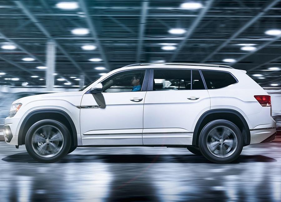 Volkswagen-Atlas_R-Line-2018-1600-03