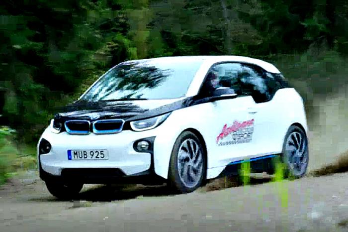 阿公高齡79狂飆BMW i3 竟是飄移高手,只為證明電動車真的好好玩