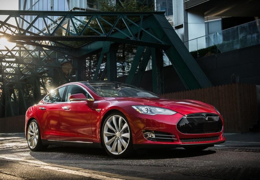 Tesla-Model_S-2013-1024-01