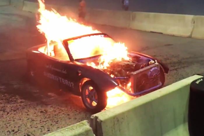 贏了燒胎大賽...但車也燒了