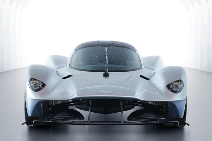 研發催落去!Aston Martin透露正在開發全新中置跑車!