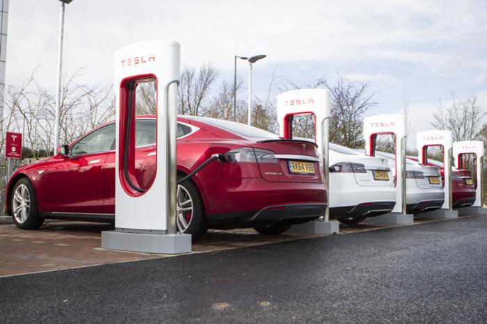 東芝發表充電電池新技術 充電6分鐘可行駛320公里!