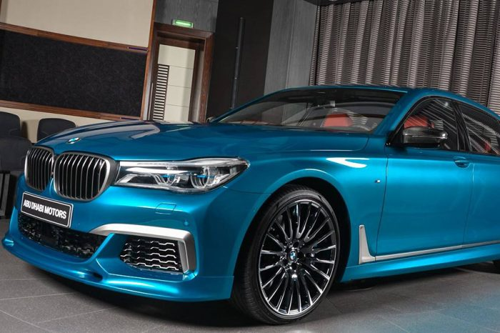 跳色跳很大的BMW M760Li,原來這就是所謂的中東風情啊……
