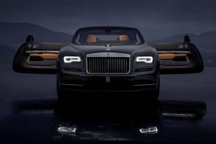 Rolls-Royce Wraith Luminary Collection在車頂蓬雕塑出的璀璨星空再次令世人讚嘆不已!