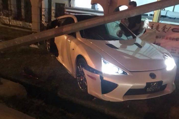 又一輛 Lexus LFA敗給了黃金右腳!