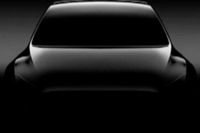 Tesla Model Y電動休旅明年現身!可能找不到方向盤?