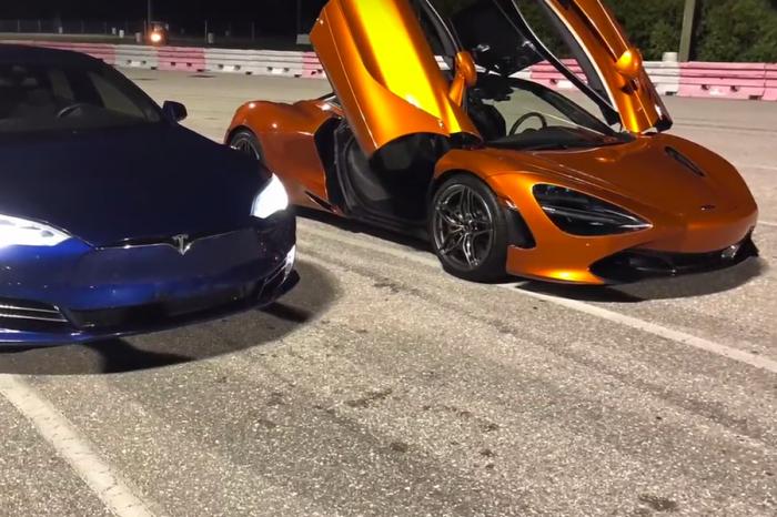 (影音)期待已久的McLaren 720S Vs.最速Tesla之戰!