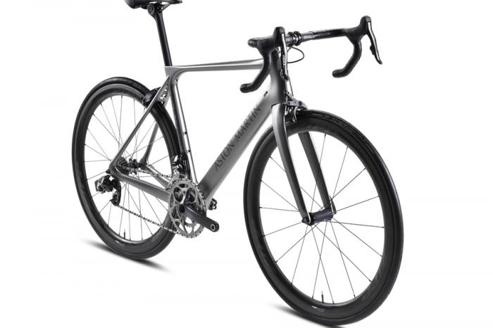 Aston Martin推出限量版單車 僅重5.9公斤