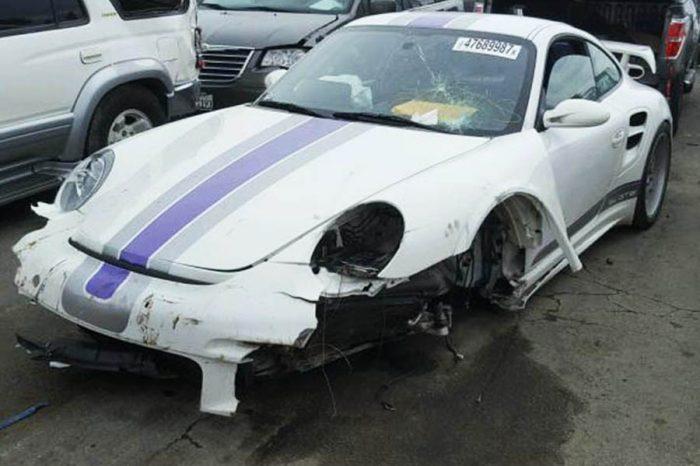 重傷Porsche 911 GT2等你來標價!目前只要118萬!