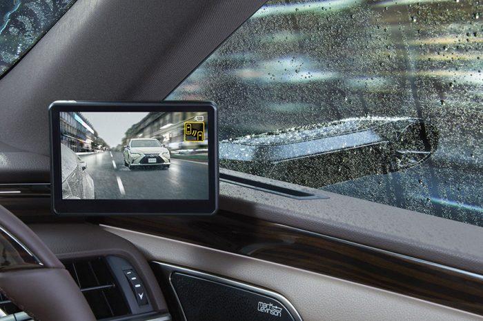 Lexus搶先推出數位車外後視鏡!