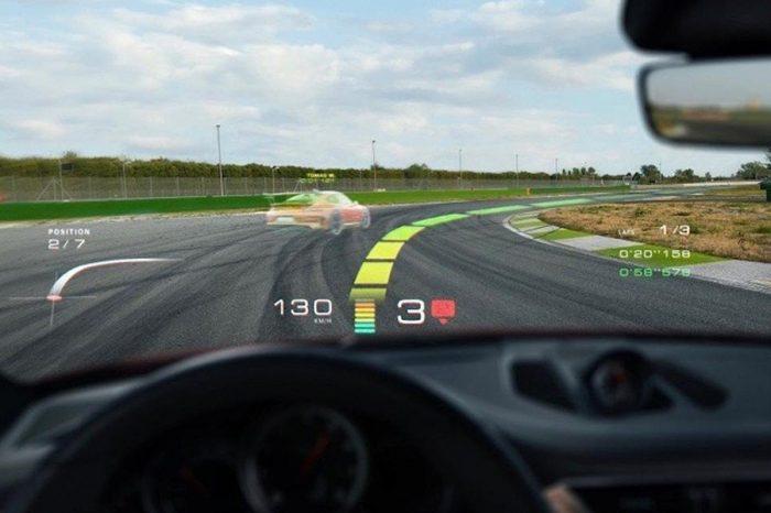 未來開Porsche還能從前擋看到幽靈車跟賽道路線?
