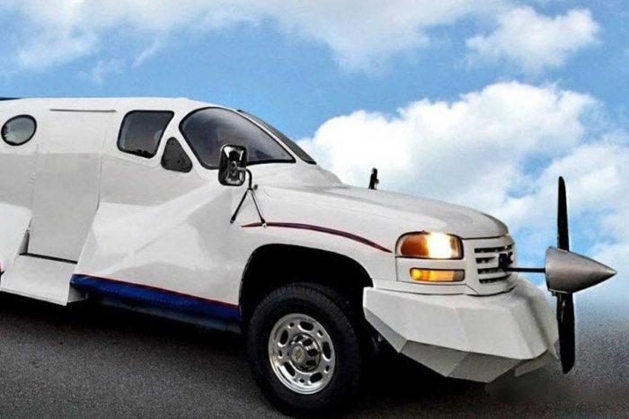 半飛機半汽車?你說的是這輛GMC Sierra 2500 HD禮車吧