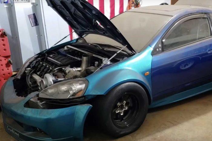 一具引擎不夠,那你有裝兩具嗎?參見雙引擎Acura RSX