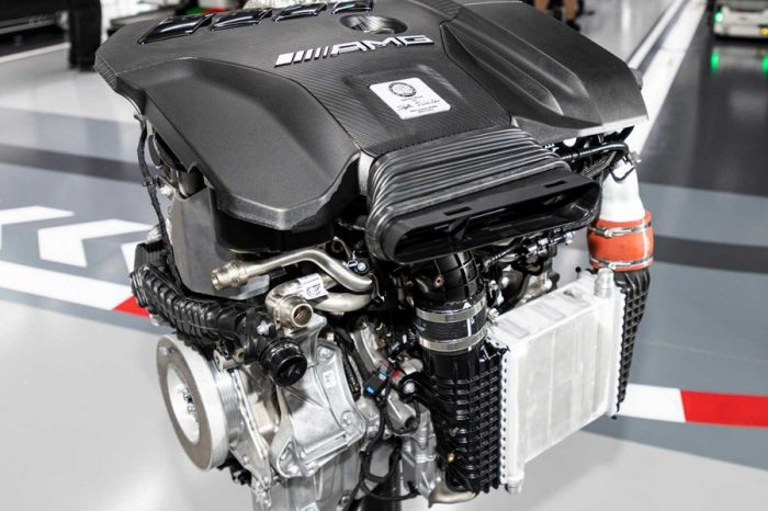 Mercedes-AMG正式發表車壇最強悍的四缸引擎!