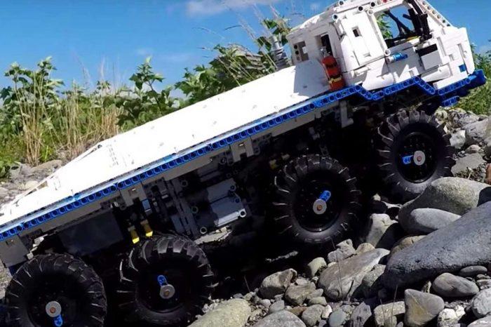 8x8 Tatra Lego卡車能做出讓你驚奇連連的越野動作