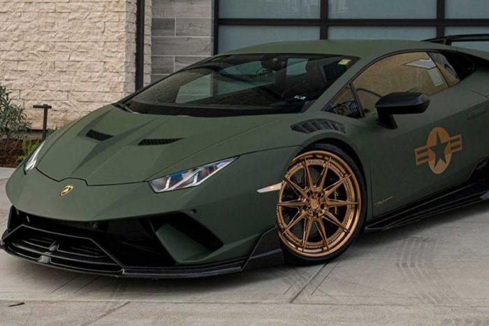 美軍式樣的Lamborghini Huracan Performante看來格外地吸引目光呢