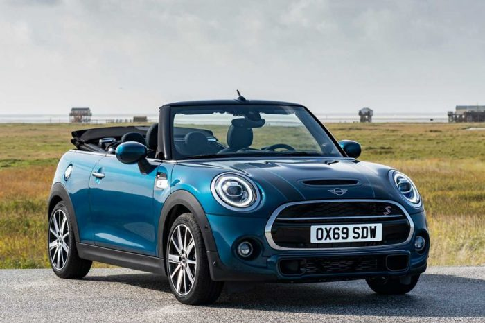 外向小敞篷現身─2020 Mini Convertible Sidewalk