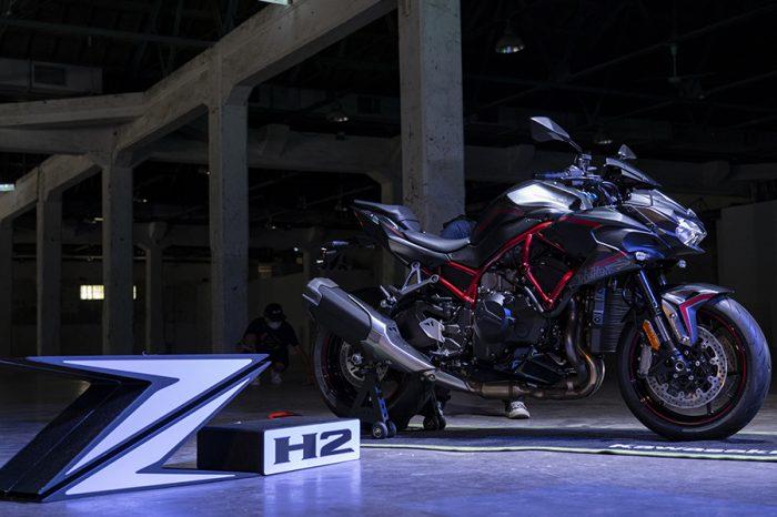 二輪猛獸Kawasaki Z H2 展開預購!