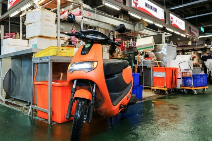 台北環南中繼市場禁止燃油機車進入!多數攤商都換了哪輛電動機車?