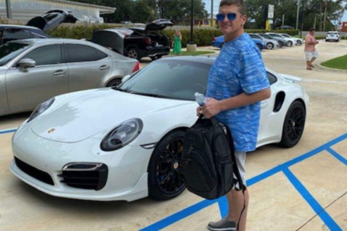 家裡印的支票竟成功買了一輛Porsche 911 Turbo!