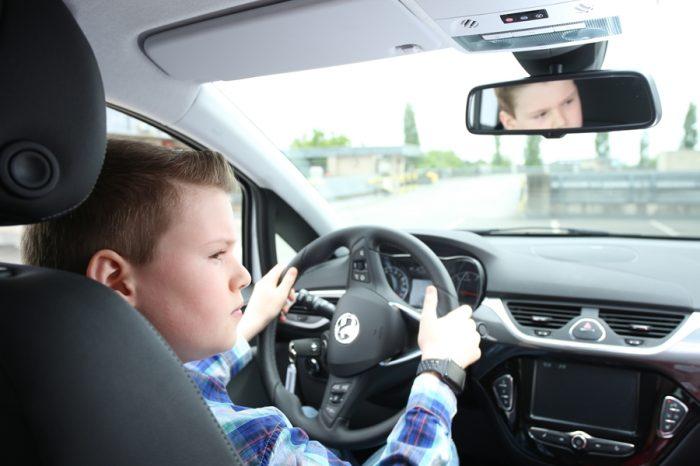 小個子駕駛人開車更要重視駕駛輔助系統是否齊全!