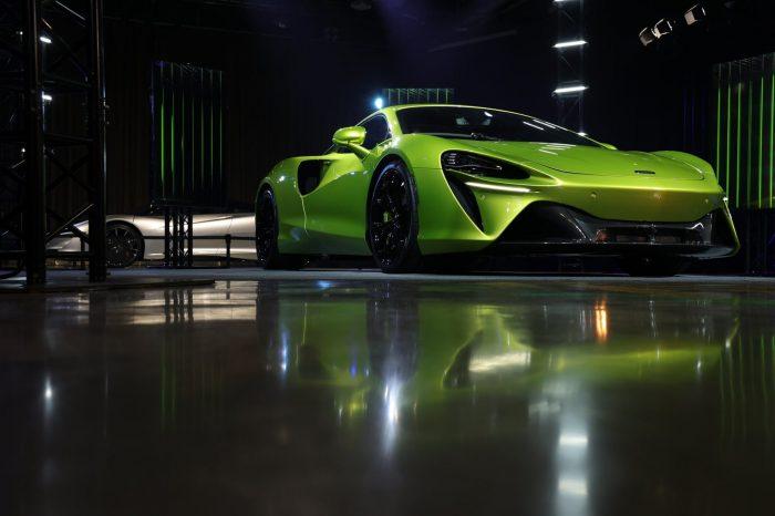 McLaren ARTURA首批車款建議售價1,280萬元起 !