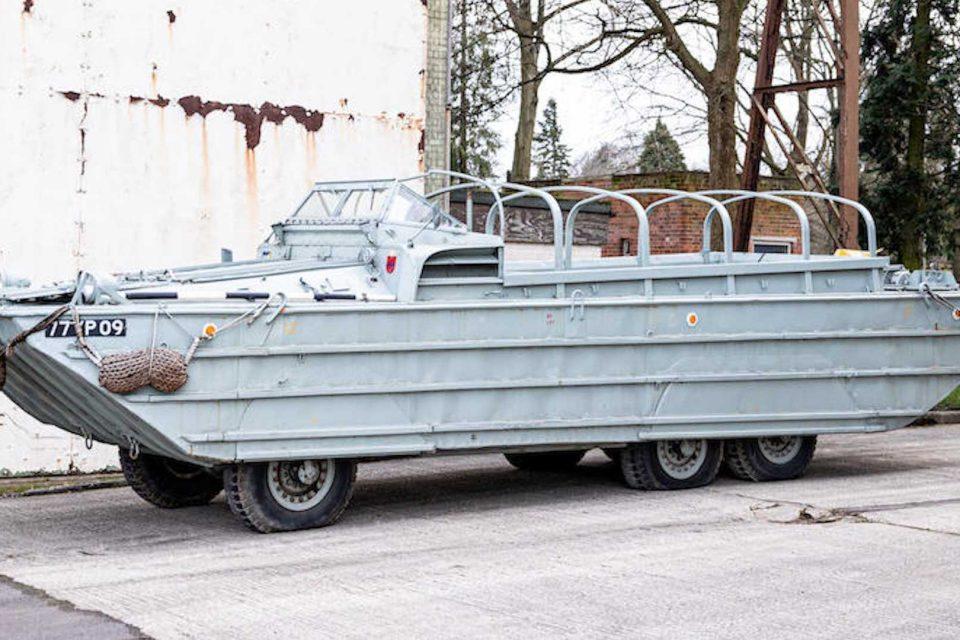 二戰 GMC 海陸兩用六輪運兵卡車現身拍賣