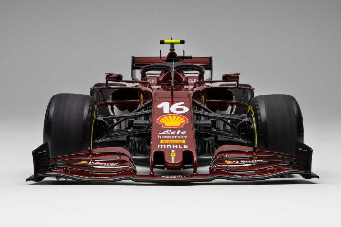 Ferrari 第 1,000 場大賽彩繪的 1:8「SF1000」賽車模型