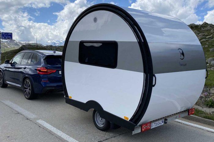 可伸縮為原本三倍空間的膠囊露營拖車真是太驚人了