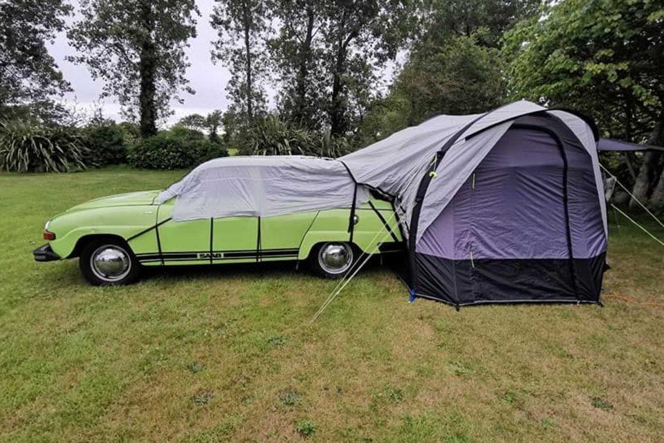 自行改造的 1975 Saab 95 露營車屋